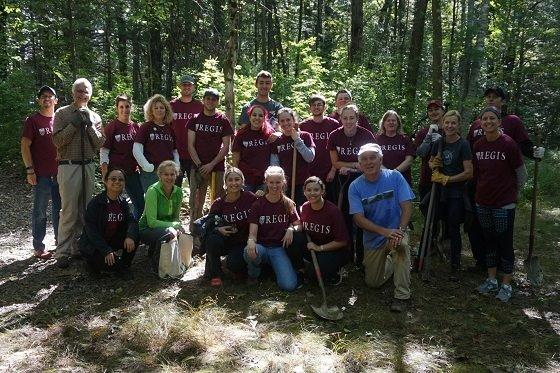 regis college volunteers