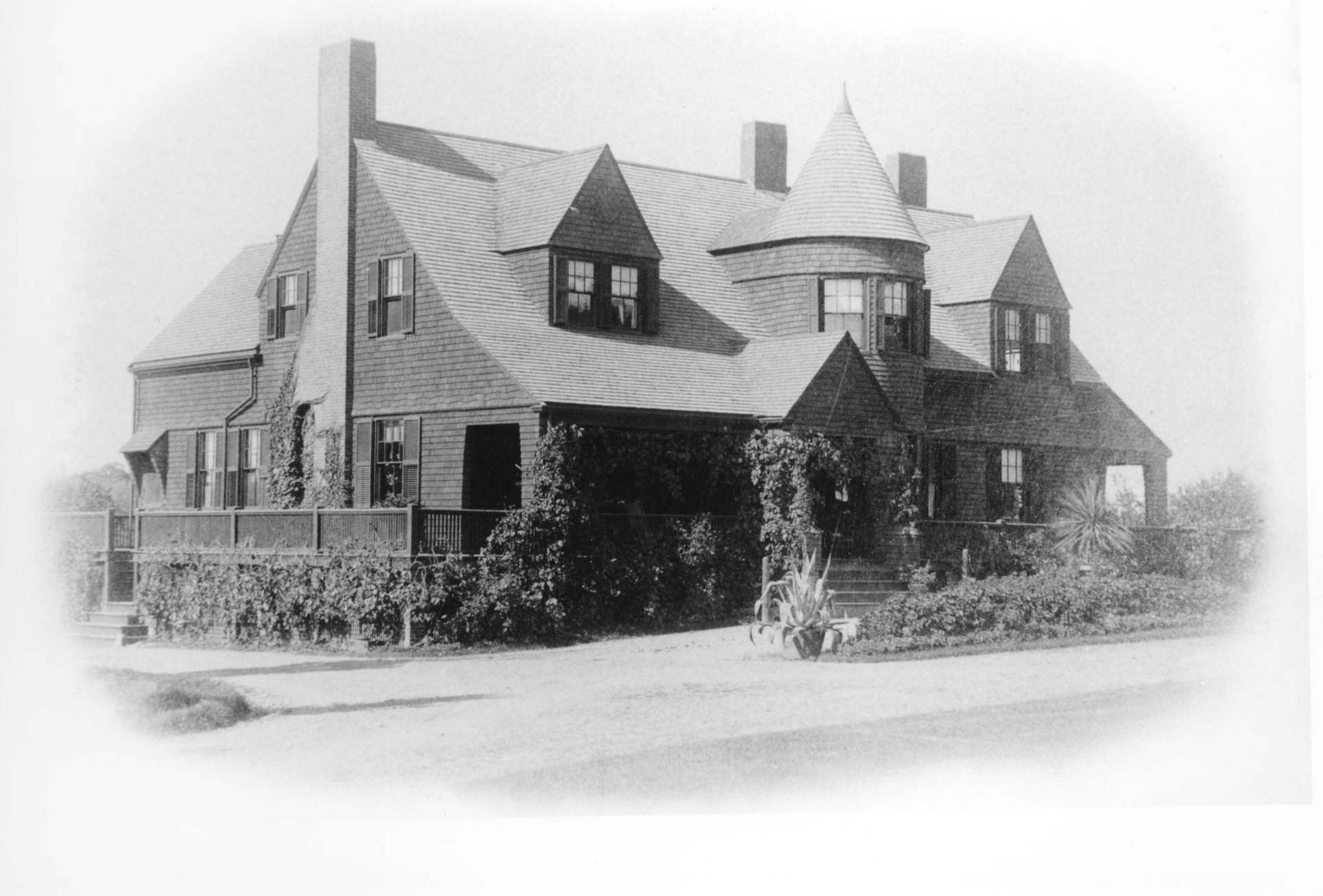 Francis Henry Hastings built this house at 199 North Avenue in 1885