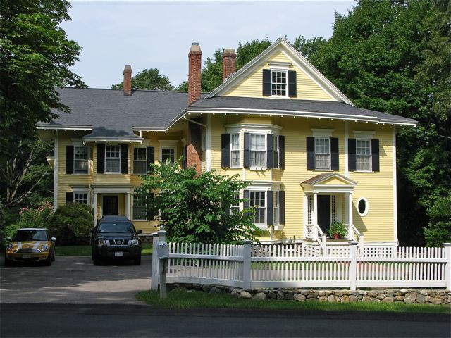 A yellow house at 27 Wellesley Street