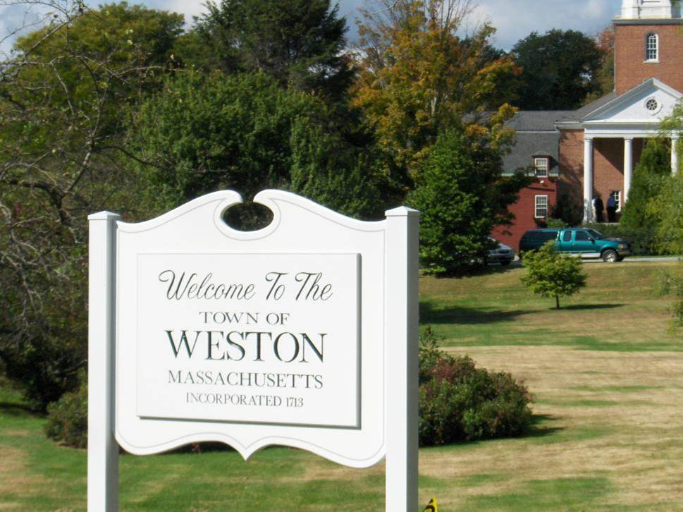 Welcome sign that reads Welcome to the Town of Weston, Massachusetts